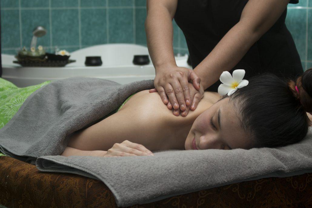 aromatherapy-massage-tinispa